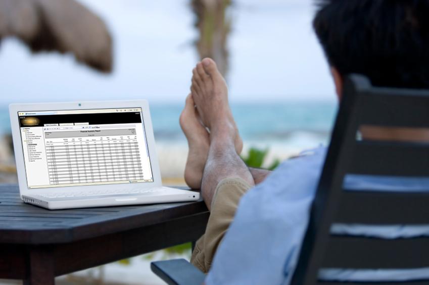 RHQ Laptop on the Beach