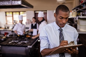 how to be a successful restaurant manager